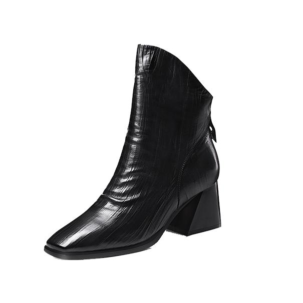 2021最流行的短靴女推荐