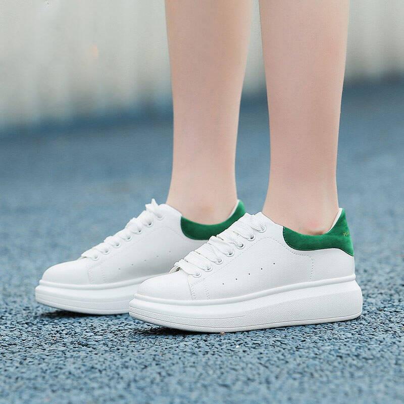 2021女士休闲小白鞋新款推荐